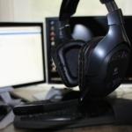 Logitech G930 Testbericht ausgeklappt mit Mikro